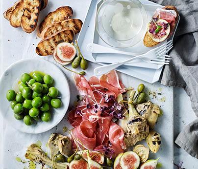 CH4872_Charter Hall_National_Recipes Spring 2019_WebTiles_FA_Fig, Prosciutto & Antipasto Salad_404x346